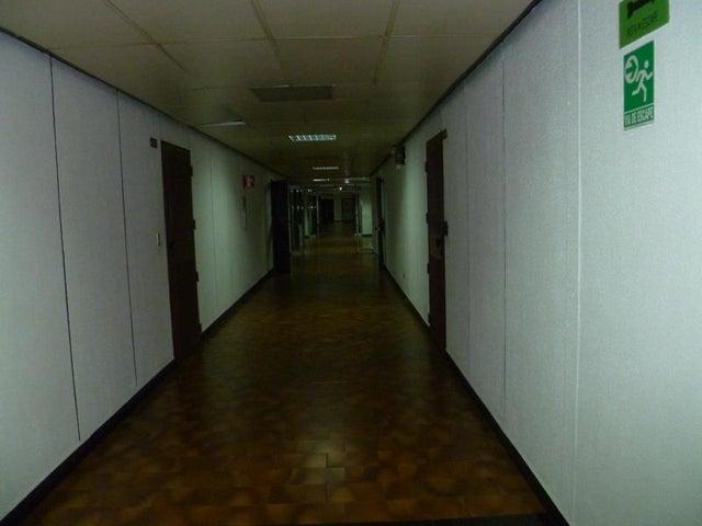 Oficina Distrito Metropolitano>Caracas>Los Ruices - Venta:145.000 Precio Referencial - codigo: 15-6482
