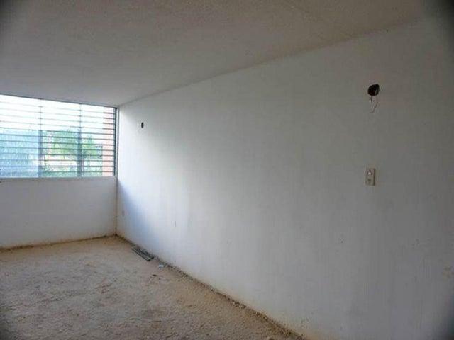 Apartamento Distrito Metropolitano>Caracas>Los Naranjos Humboldt - Venta:32.979.000.000 Precio Referencial - codigo: 15-6492