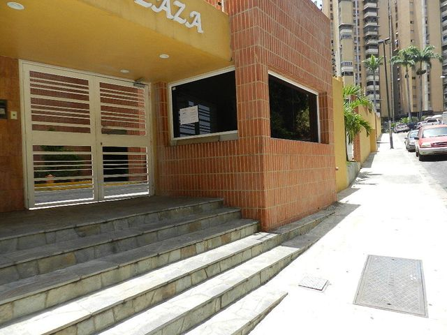 Apartamento Distrito Metropolitano>Caracas>Colinas de Santa Monica - Venta:36.094.000.000 Bolivares Fuertes - codigo: 15-6507