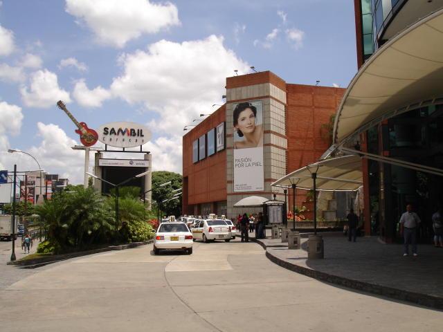 Negocios y Empresas Distrito Metropolitano>Caracas>Chacao - Venta:166.422.742.000.000 Bolivares - codigo: 15-6518