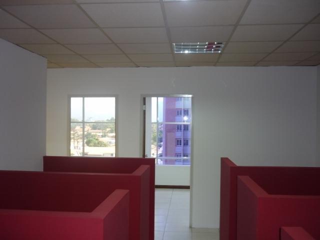 Local Comercial Lara>Barquisimeto>Zona Este - Venta:59.898.000.000 Precio Referencial - codigo: 15-6533