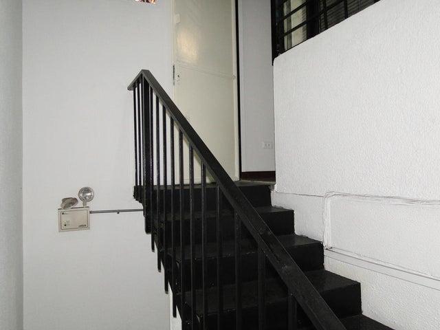 Local Comercial Distrito Metropolitano>Caracas>Los Caobos - Venta:200.000 US Dollar - codigo: 15-6506