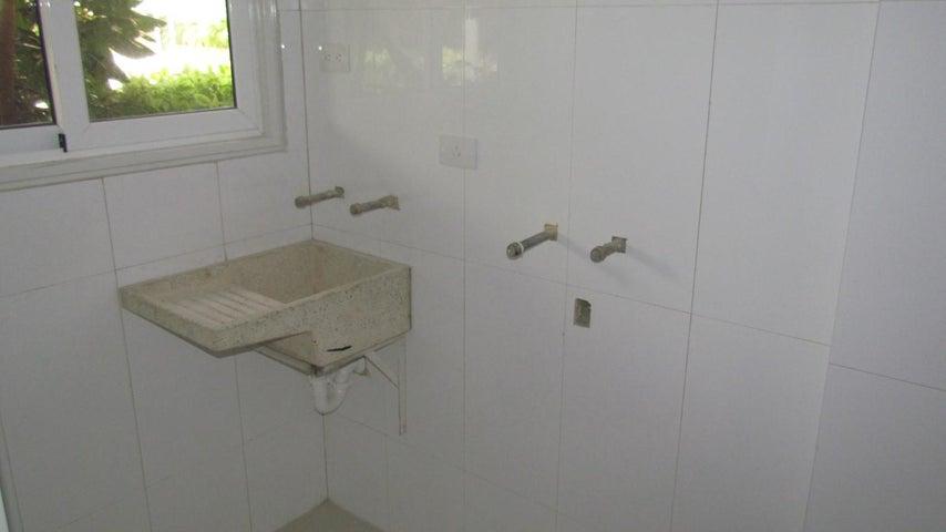 Apartamento Distrito Metropolitano>Caracas>Lomas del Sol - Venta:279.614.000.000 Precio Referencial - codigo: 15-6542
