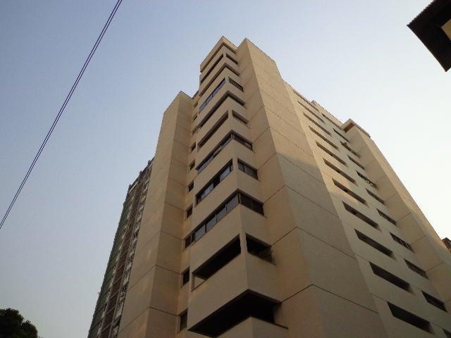Apartamento Distrito Metropolitano>Caracas>Los Palos Grandes - Venta:93.892.000.000 Precio Referencial - codigo: 15-6588