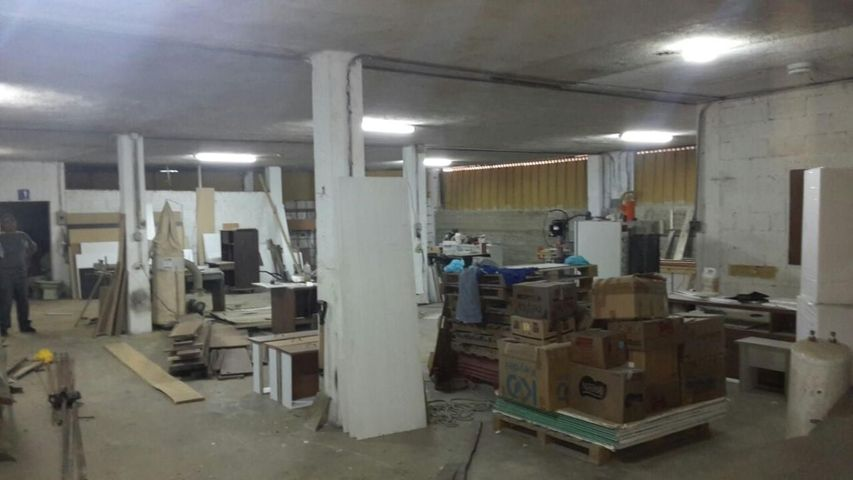 Galpon - Deposito Distrito Metropolitano>Caracas>El Llanito - Venta:20.765.000.000 Precio Referencial - codigo: 15-8957