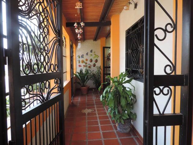 Casa Cojedes>Tinaquillo>Tamanaco - Venta:12.000 Precio Referencial - codigo: 15-6707