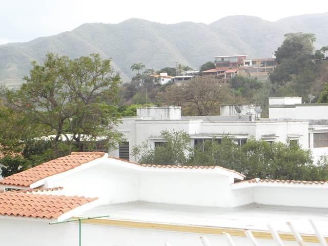Casa Distrito Metropolitano>Caracas>Vista Alegre - Venta:102.616.000.000  - codigo: 15-6807