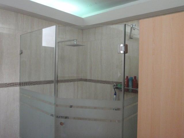 Apartamento Distrito Metropolitano>Caracas>Los Palos Grandes - Venta:134.683.000.000 Precio Referencial - codigo: 15-6830