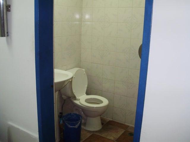 Oficina Miranda>Los Teques>Municipio Guaicaipuro - Venta:3.900 Precio Referencial - codigo: 15-6911