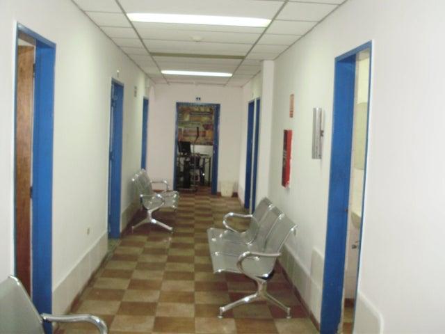Oficina Miranda>Los Teques>Municipio Guaicaipuro - Venta:4.489.000.000 Precio Referencial - codigo: 15-6924