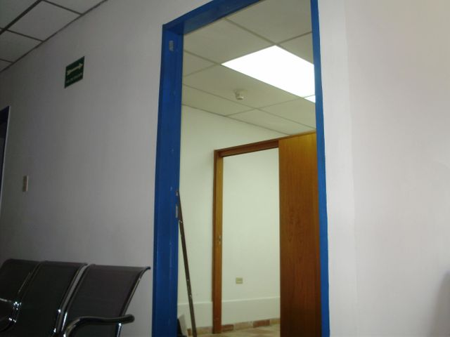 Oficina Miranda>Los Teques>Municipio Guaicaipuro - Venta:947.000.000 Bolivares Fuertes - codigo: 15-6925