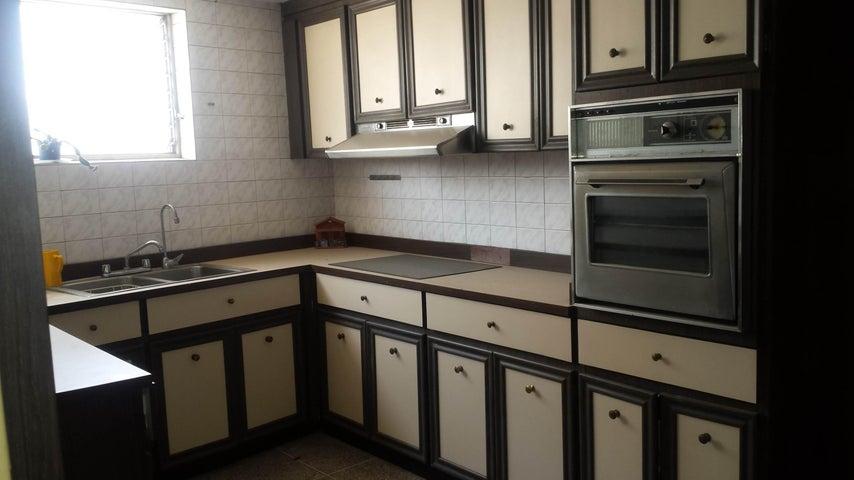 Apartamento Distrito Metropolitano>Caracas>El Recreo - Venta:393.140.000.000 Precio Referencial - codigo: 15-6940