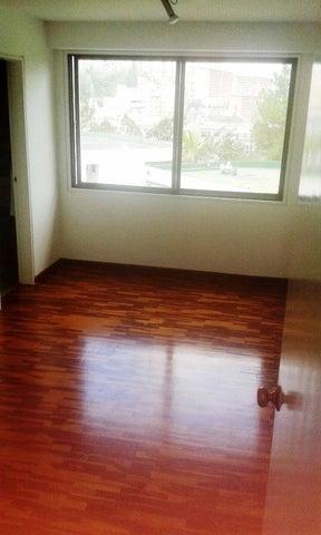Apartamento Distrito Metropolitano>Caracas>Los Samanes - Venta:39.139.000.000 Bolivares Fuertes - codigo: 15-6939