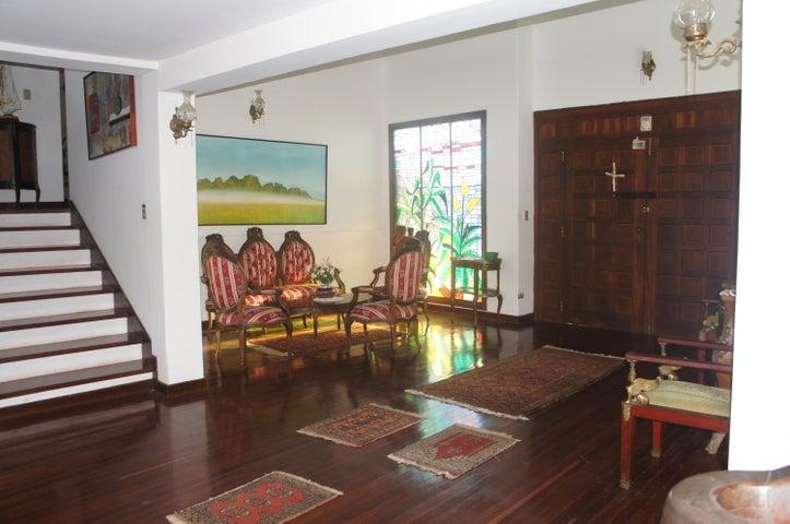 Casa Distrito Metropolitano>Caracas>La Lagunita Country Club - Venta:244.290.000.000 Precio Referencial - codigo: 15-6963