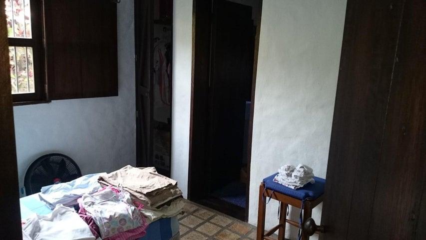 Casa Distrito Metropolitano>Caracas>Prados del Este - Venta:1.143.875.000.000 Precio Referencial - codigo: 15-7056