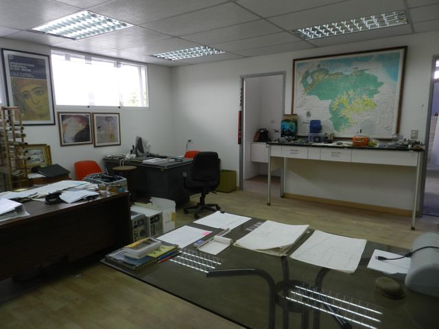 Local Comercial Distrito Metropolitano>Caracas>Montecristo - Venta:2.000.000 Precio Referencial - codigo: 15-7130