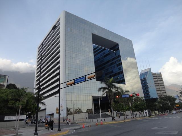 Oficina Distrito Metropolitano>Caracas>Los Palos Grandes - Venta:360.938.000.000 Bolivares - codigo: 15-5517