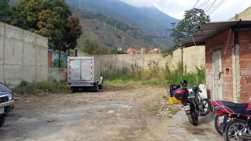 Terreno Distrito Metropolitano>Caracas>La Florida - Venta:254.195.000.000 Precio Referencial - codigo: 15-7144
