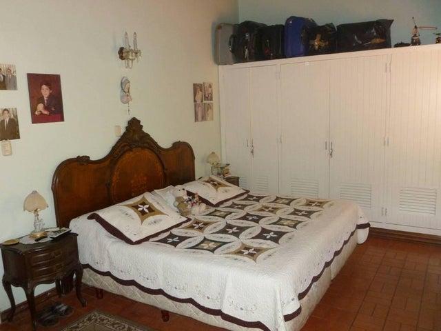 Casa Distrito Metropolitano>Caracas>Santa Paula - Venta:351.167.000.000 Precio Referencial - codigo: 15-7204