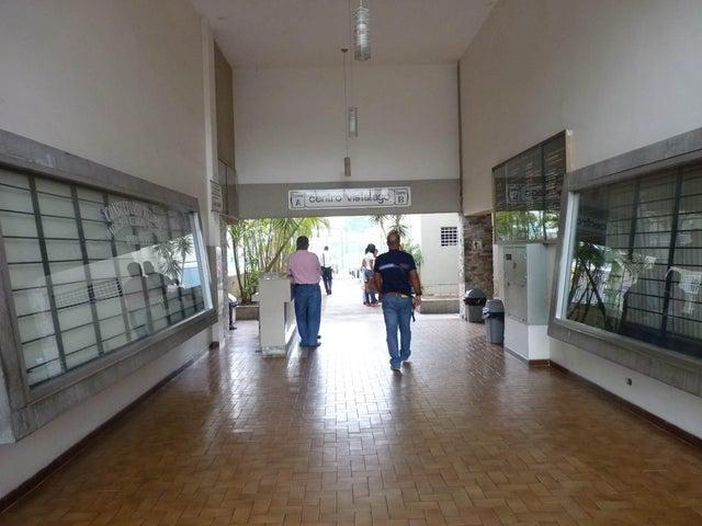 Apartamento Aragua>Maracay>Avenida 19 de Abril - Venta:25.419.000.000 Precio Referencial - codigo: 15-7264