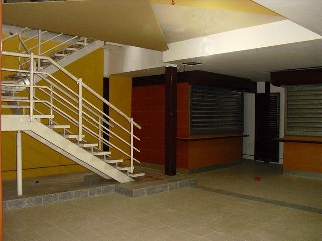 Local Comercial Distrito Metropolitano>Caracas>Cementerio - Venta:1.842.000.000 Bolivares - codigo: 15-7286