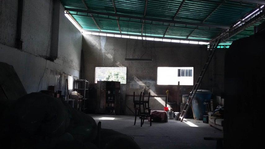 Galpon - Deposito Distrito Metropolitano>Caracas>Municipio Baruta - Venta:508.389.000.000 Precio Referencial - codigo: 15-7291