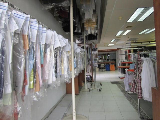 Local Comercial Distrito Metropolitano>Caracas>Parque Central - Venta:54.170.000.000 Precio Referencial - codigo: 15-7293