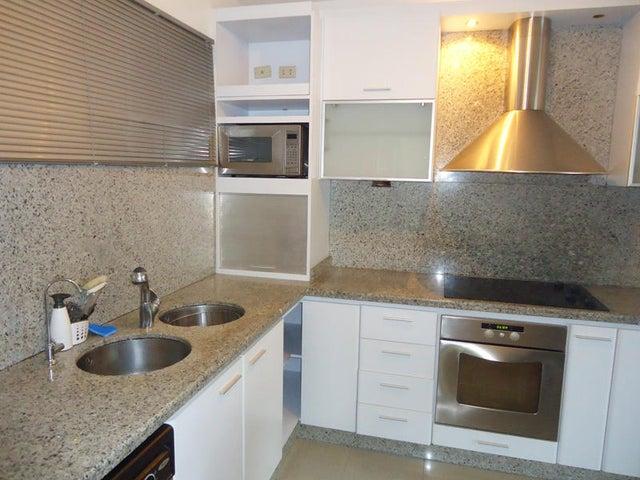 Townhouse Distrito Metropolitano>Caracas>Los Pomelos - Venta:305.363.000.000 Precio Referencial - codigo: 15-7345