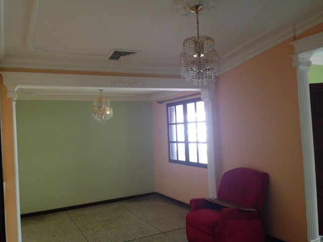 Casa Zulia>Maracaibo>Las Lomas - Venta:37.000.000 Bolivares - codigo: 15-7408