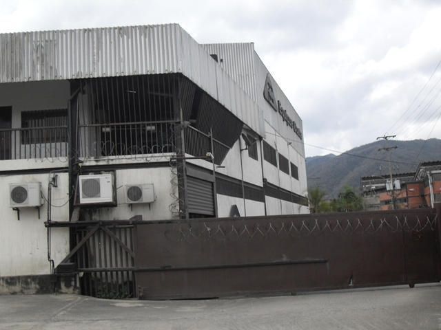 Galpon - Deposito Miranda>Guatire>Guatire - Venta:805.800.000.000 Bolivares - codigo: 15-7422