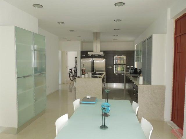 Casa Distrito Metropolitano>Caracas>Alto Hatillo - Venta:219.190.000.000 Bolivares - codigo: 15-7465