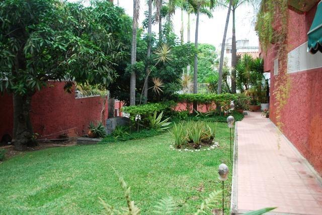 Casa Distrito Metropolitano>Caracas>Cumbres de Curumo - Venta:463.905.000.000 Precio Referencial - codigo: 15-7511