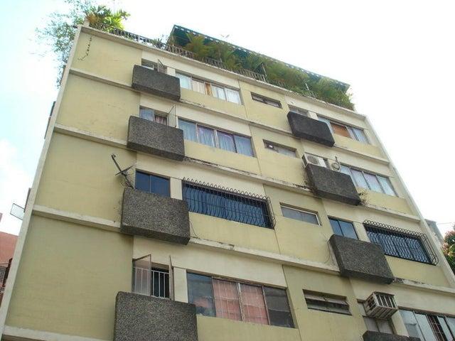 Local Comercial Distrito Metropolitano>Caracas>La Florida - Venta:26.091.000.000 Precio Referencial - codigo: 15-7574