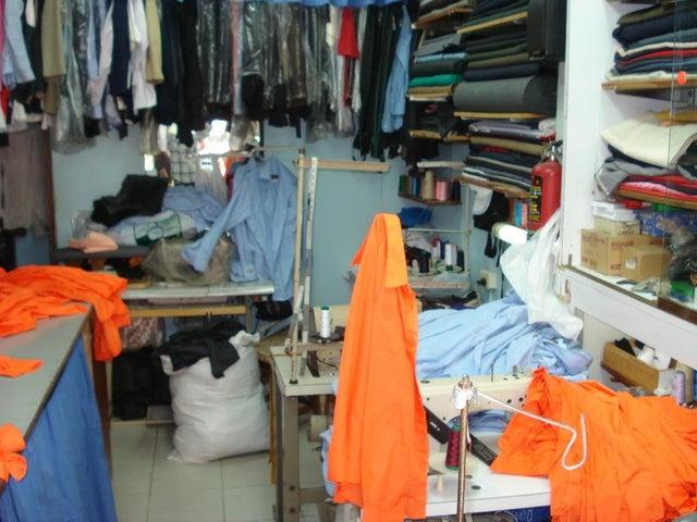 Local Comercial Distrito Metropolitano>Caracas>La Florida - Venta:6.580.000.000 Bolivares - codigo: 15-7574