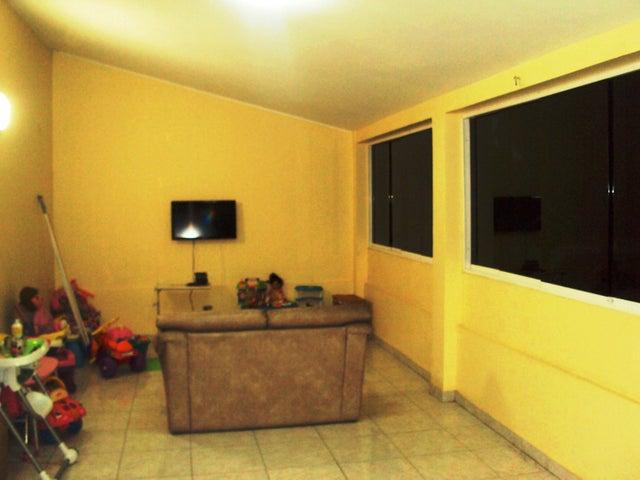 Casa Aragua>Maracay>Andres Bello - Venta:34.615.000.000 Bolivares - codigo: 15-7546