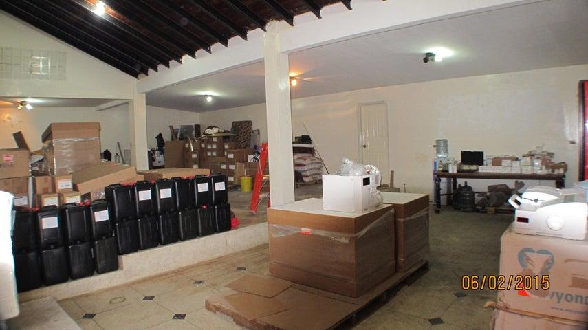 Galpon - Deposito Distrito Metropolitano>Caracas>La Trinidad - Venta:92.291.000.000 Bolivares - codigo: 15-7619