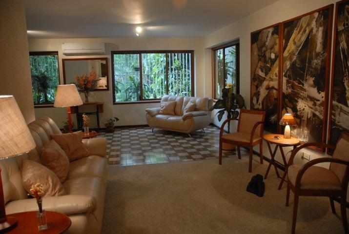 Apartamento Distrito Metropolitano>Caracas>Sebucan - Venta:114.388.000.000 Precio Referencial - codigo: 15-7662