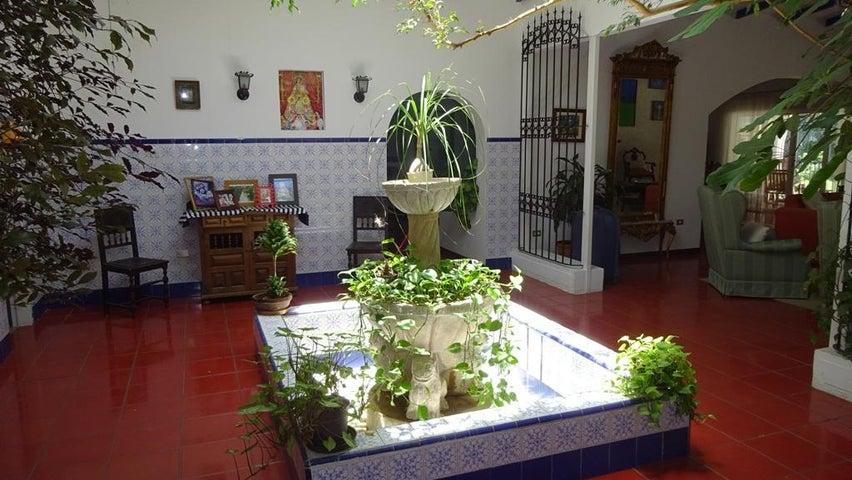 Casa Distrito Metropolitano>Caracas>Cumbres de Curumo - Venta:780.000 US Dollar - codigo: 15-7735