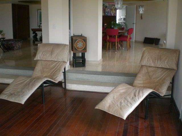 Apartamento Distrito Metropolitano>Caracas>Colinas de Valle Arriba - Venta:500.000 Precio Referencial - codigo: 15-7746