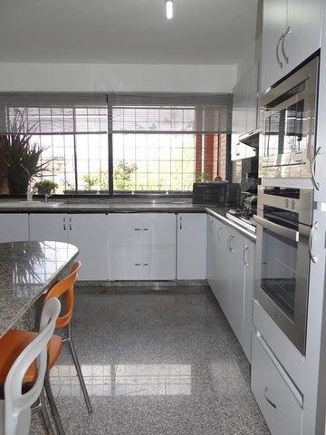 Apartamento Distrito Metropolitano>Caracas>Colinas de Valle Arriba - Venta:350.000 US Dollar - codigo: 15-7773