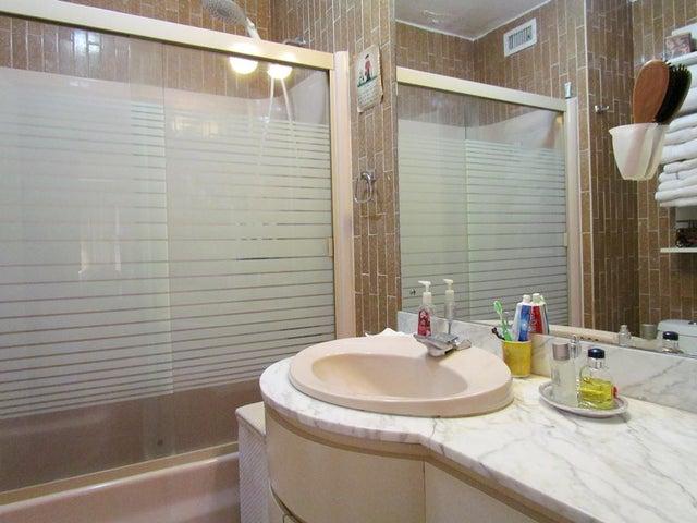 Apartamento Distrito Metropolitano>Caracas>Chulavista - Venta:385.057.000.000 Precio Referencial - codigo: 14-2589