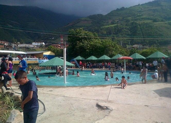 Local Comercial Trujillo>La Puerta>San Martin del Pedregal - Venta:55.909.000.000 Precio Referencial - codigo: 15-7825