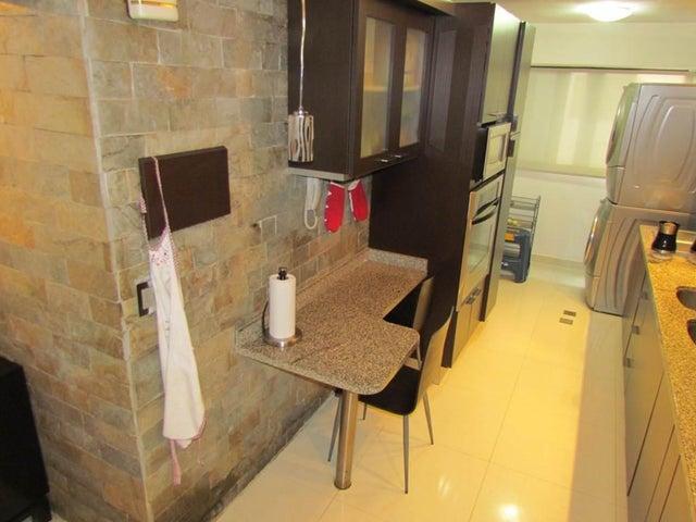 Apartamento Distrito Metropolitano>Caracas>Manzanares - Venta:21.939.000.000 Bolivares Fuertes - codigo: 15-7834