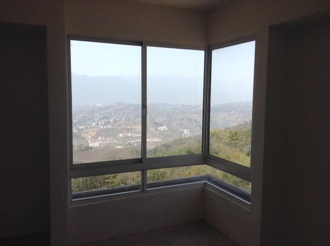 Apartamento Distrito Metropolitano>Caracas>Alto Hatillo - Venta:40.384.000.000 Bolivares Fuertes - codigo: 15-7906