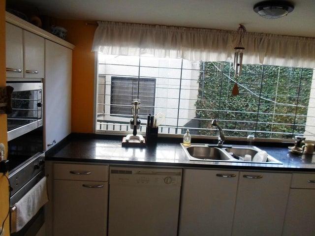 Casa Distrito Metropolitano>Caracas>La Boyera - Venta:58.751.000.000 Bolivares - codigo: 15-7904