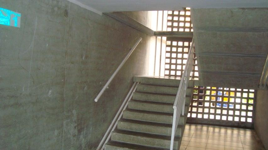 Apartamento Distrito Metropolitano>Caracas>El Encantado - Venta:13.880.000.000 Bolivares Fuertes - codigo: 15-7943