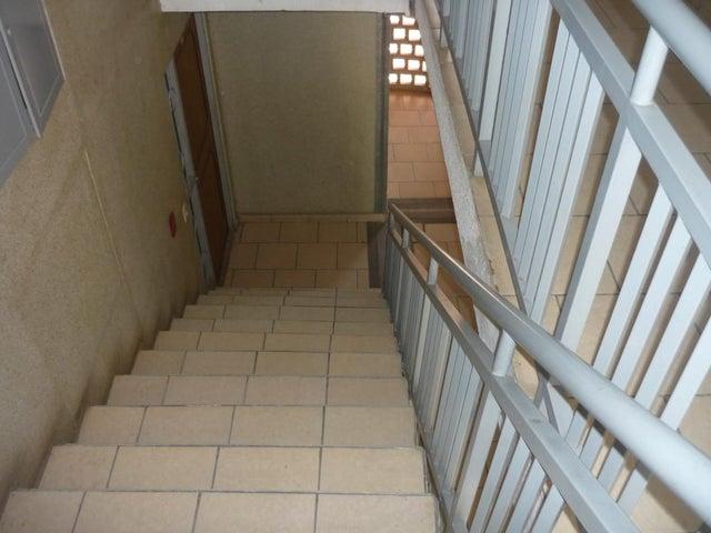 Apartamento Carabobo>Municipio San Diego>Terrazas de San Diego - Venta:5.756.000.000 Bolivares Fuertes - codigo: 15-7948