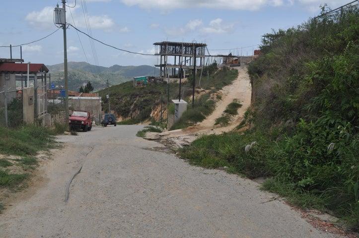 Casa Distrito Metropolitano>Caracas>Oripoto - Venta:11.567.000.000 Bolivares - codigo: 15-7986
