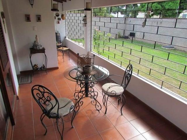 Casa Distrito Metropolitano>Caracas>El Cafetal - Venta:89.301.000.000 Bolivares - codigo: 15-8013