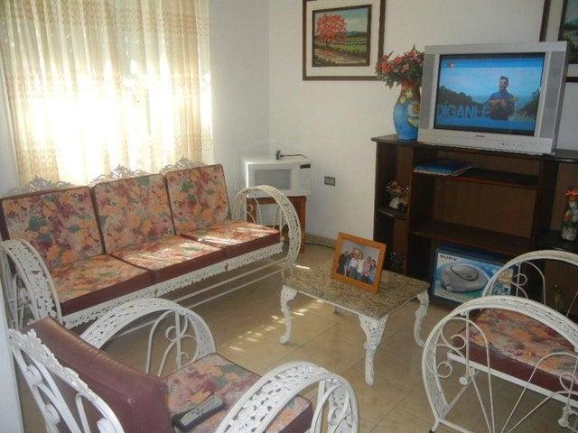 Casa Miranda>Charallave>Colinas de Betania - Venta:16.974.000.000 Bolivares - codigo: 15-8092
